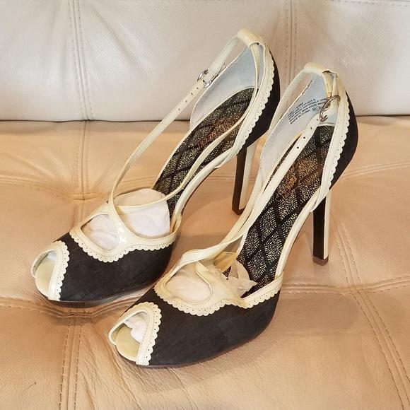 2faf325fe0f ... Black and white strappy heels. Oh Deer! M 5b5ca1e9df0307828f764e13.  M 5b5ca20aa31c333b5f684223. M 5b5ca22212cd4afea45b11c2.  M 5b5ca237c2e9fe6f412a4ad9